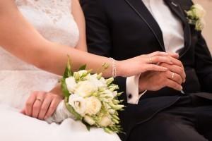 既婚者に聞いた!結婚のメリットは「呪縛から逃れられたこと」.jpg